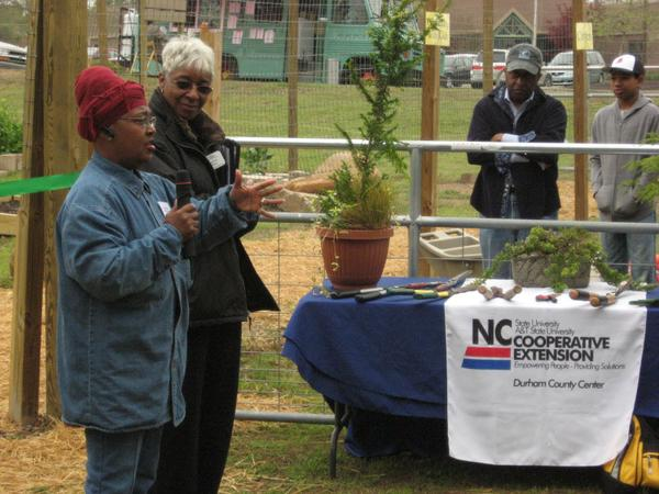 NC State MGVs speak at a community garden in Durham County