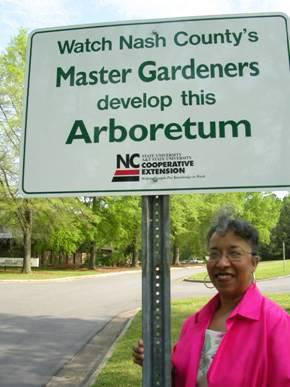 Photo of master gardener arboretum sign