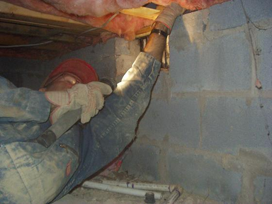 Inspecting a crawlspace for termites